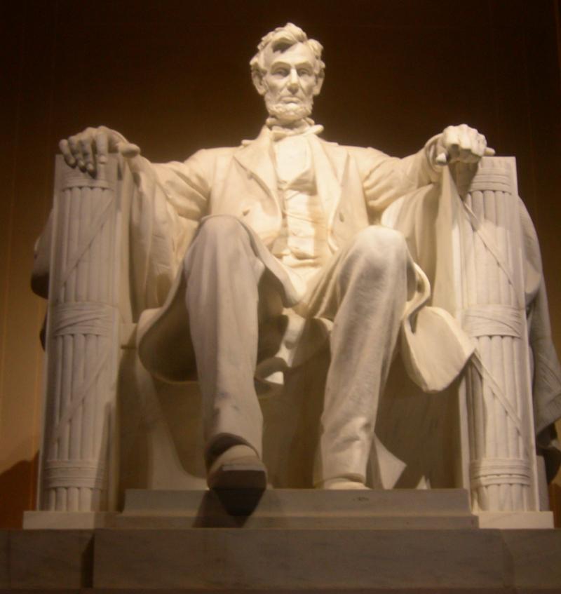 DC Lincoln Mem 2 vert